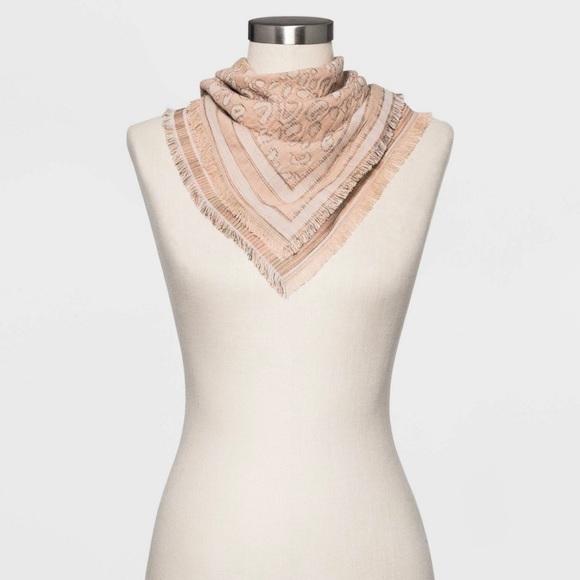 Universal Thread Women/'s Cream 100/% Cotton Bandana NWT-TWO AVAILABLE